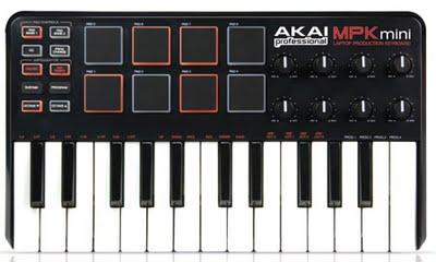 L'MPK MINI, una master keyboard/controller pad ultra-portatile di Akai