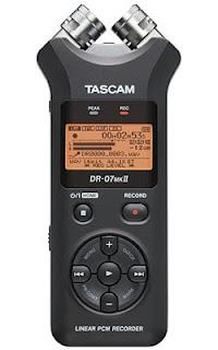 Tascam ha aggiornato il suo registratore portatile DR-07mkII, con un nuovo masterizzatore portatile e un microfono regolabile