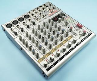 Phonic Helix Board 12 MkII mixer