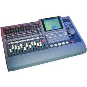 Roland VS-1680 una workstation multitraccia a 16 canali