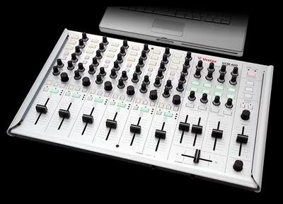 Vestax VCM 600 un controller midi dalla grande qualità costruttiva