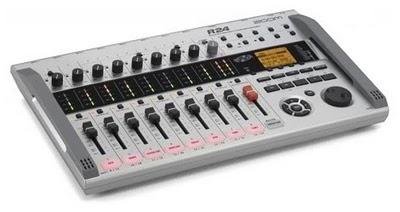 Zoom R24 un registratore digitale che registra fino a 24 tracce