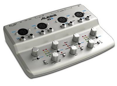 Alesis IO4 una scheda audio USB per Mac, PC e per i dispositivi IOS che funziona come plug-and-play