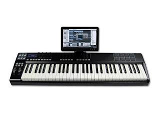 ControlTouch: una tastiera controller MIDI con un display touch screen