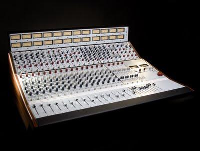 Neve 5088, un mixer analogico da 16 canali