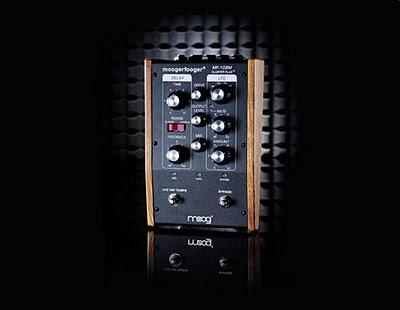 Moog MF-108M Cluster Flux, un pedale a base di effetti con delle modulazioni LFO per produrre degli effetti chorus, vibrato e flanger