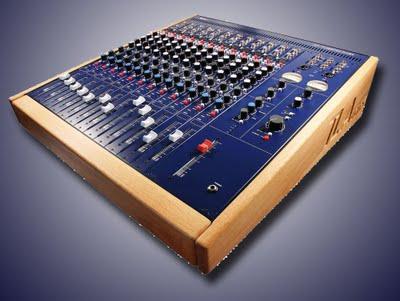 Tl audio M1-F8 e M1-12 Tubetracker, dei piccoli mixer valvolari